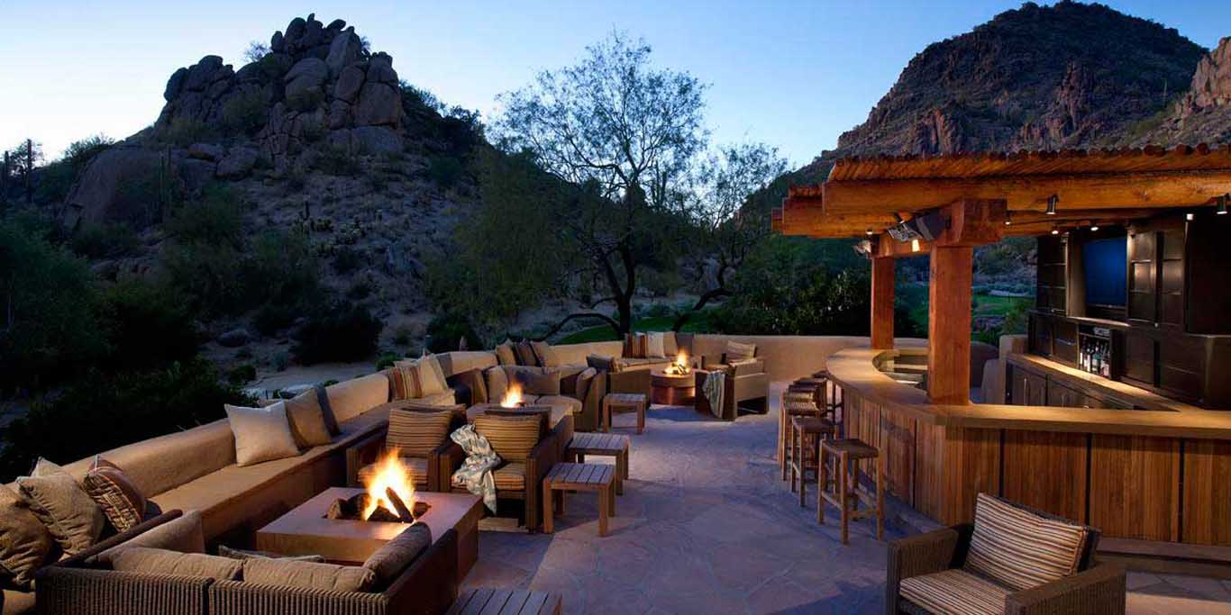 Desert Highlands Outdoor Bar