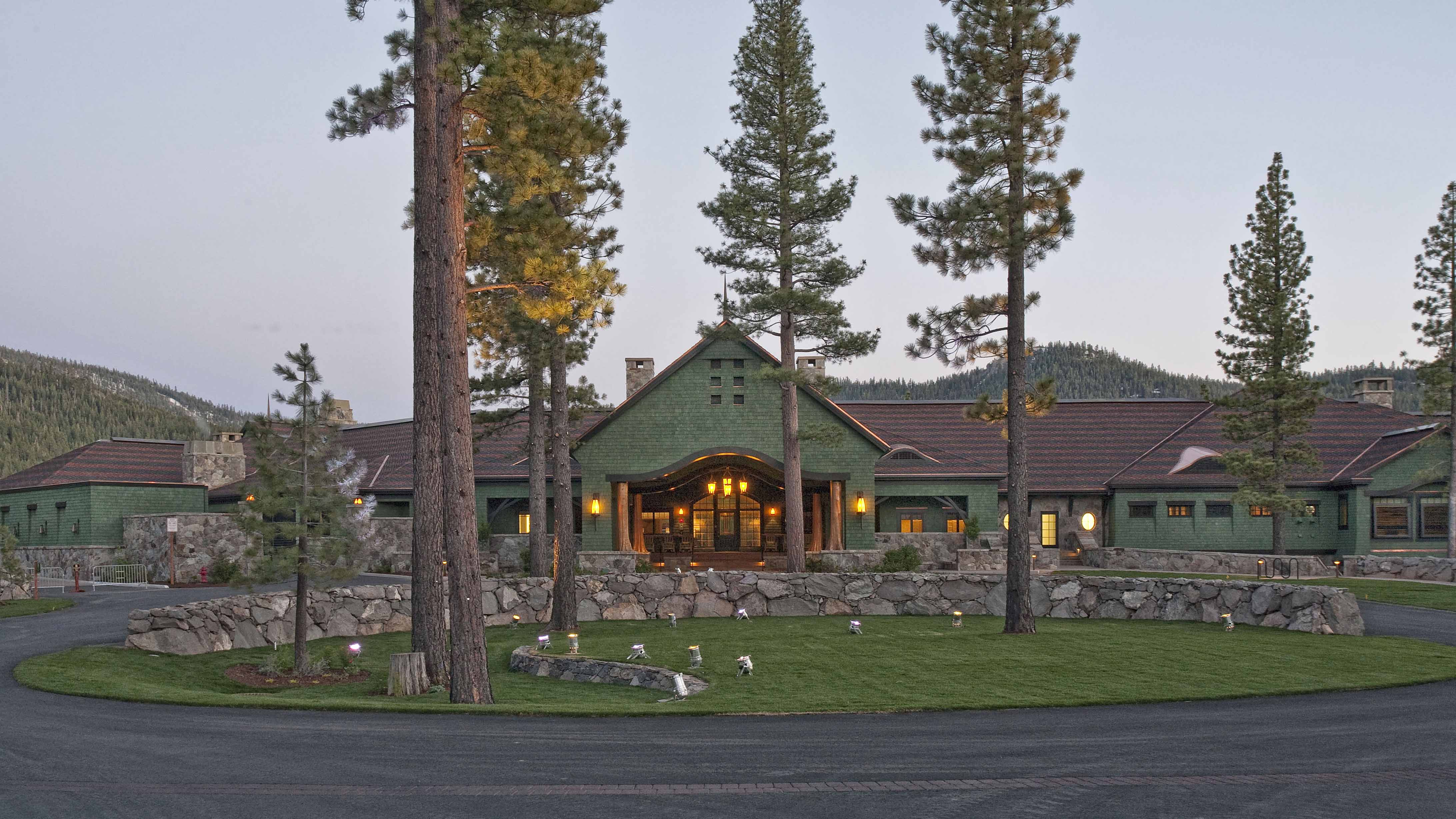 Martis Camp Lodgeexterior Of Entrance